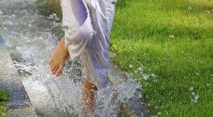 Wassertreten nach Kneipp © Dominic Ultes