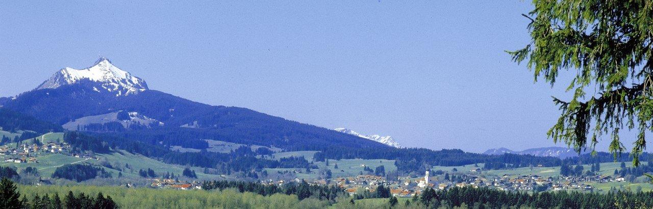 Grüntensee mit Grünten in Wertach im Oberallgäu © Peter Ehme