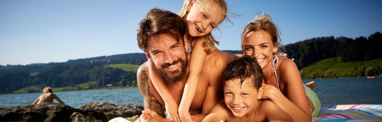 Badespaß Familie großer Alpsee © Allgäu GmbH - Fouad Vollmer Werbeagentur Mittelbiberach