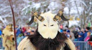 Allgäuer Klaus beim traditionellen Klausentreiben im Winter, © Dominic Ultes