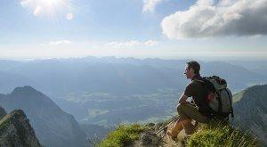 Blick vom Gipfel in die allgäuer Alpen, © Alexander Rochau