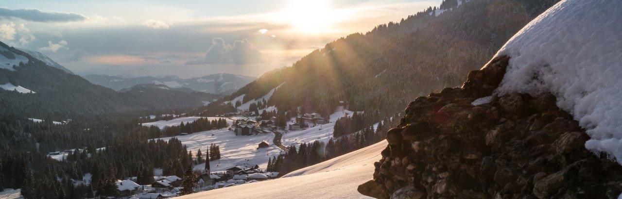 Balderschwang- Dorfansicht Winter © Tourismus Hoernerdoerfer GmbH, @Allgaeulichtbild