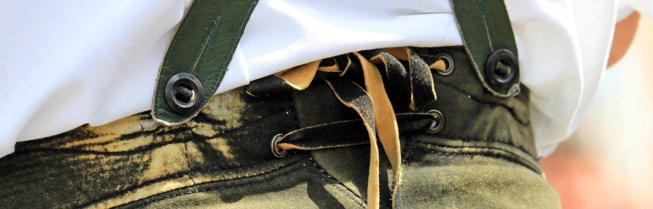Lederhose einer traditionellen Allgäuer Tracht © Dominic Ultes