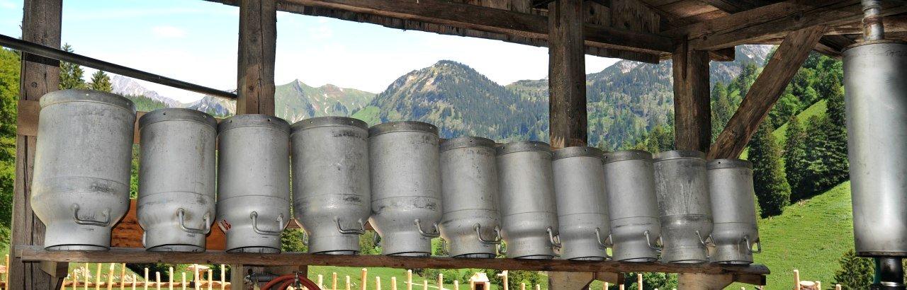 Milchkannen in Hinterstein © Hermann Ernst