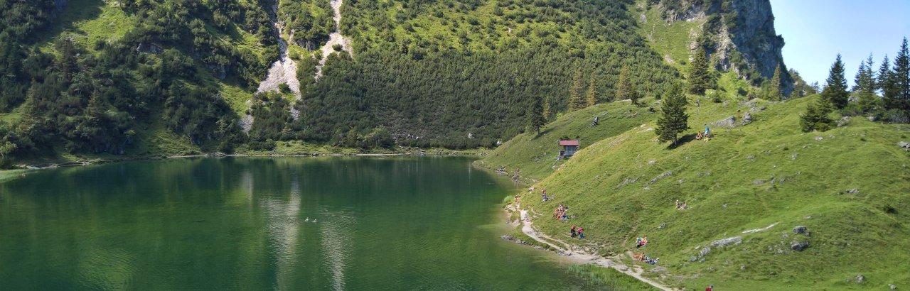 Baden im Unteren Gaisalpsee bei Oberstdorf