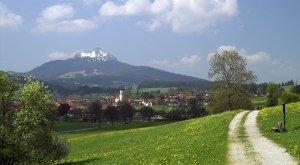 Frühling in Wertach im Oberallgäu, Grünten © Peter Ehme