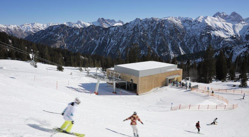 Skifahren an der Bierenwangbahn © Oberstdorf / Kleinwalsertal Bergbahnen Fotograf: Norman Radon