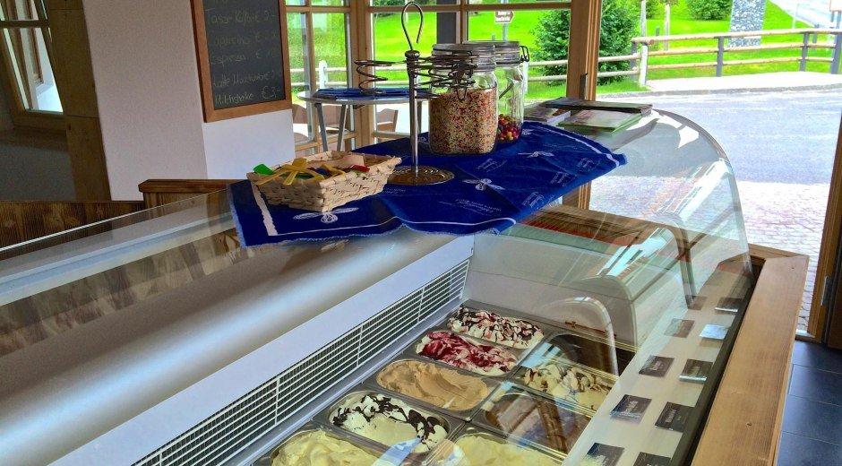 Feine Auswahl im Eisladen Ofterschwang © Tourismus Hörnerdörfer