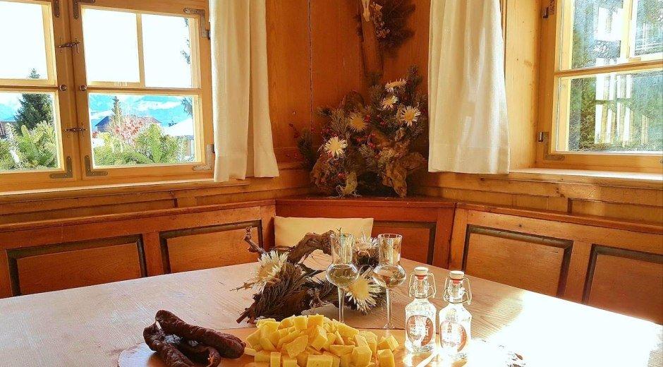 """Käse, Schinken und Schnaps aus dem Bauernhaus """"Bus © Bauernhaus Busche Berta"""