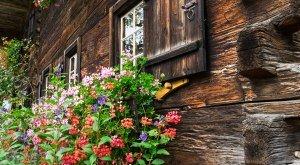 Fassade eines alten Bauernhofs, © outdoorpixel - Fotolia.com