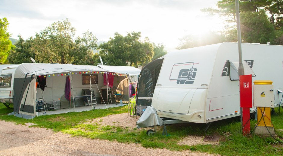Campers at the campsite © Anna Kwiatkowska - Fotolia.com