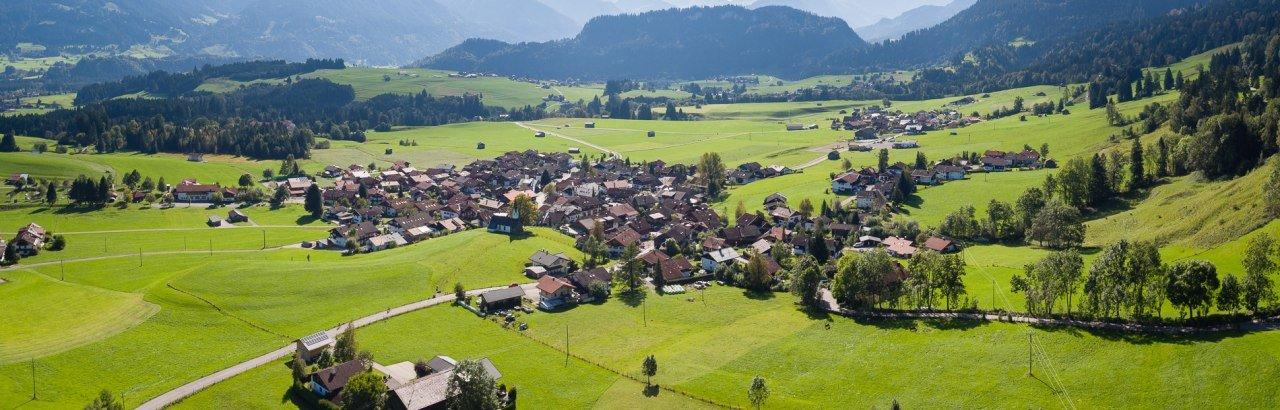 Bolsterlang aus der Luft fotografiert © Tourismus Hörnerdörfer GmbH - Bolsterlang Luftbilder@ProVisionMedia