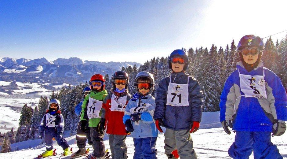 Kinderskikurs in der Wintersportschule Ofterschwan © Skischule Ofterschwang