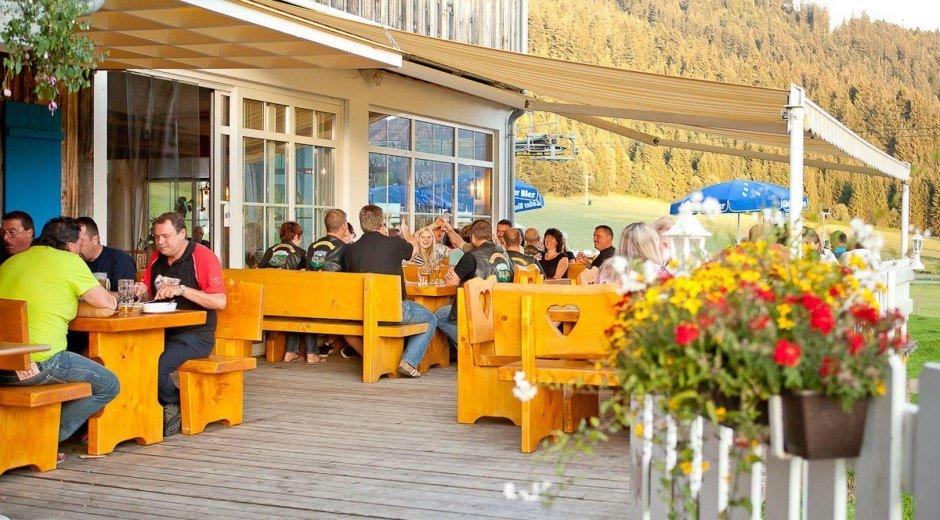 Gemütliche Sonnenterasse im Restaurant Schwabenhof © Schwabenhof